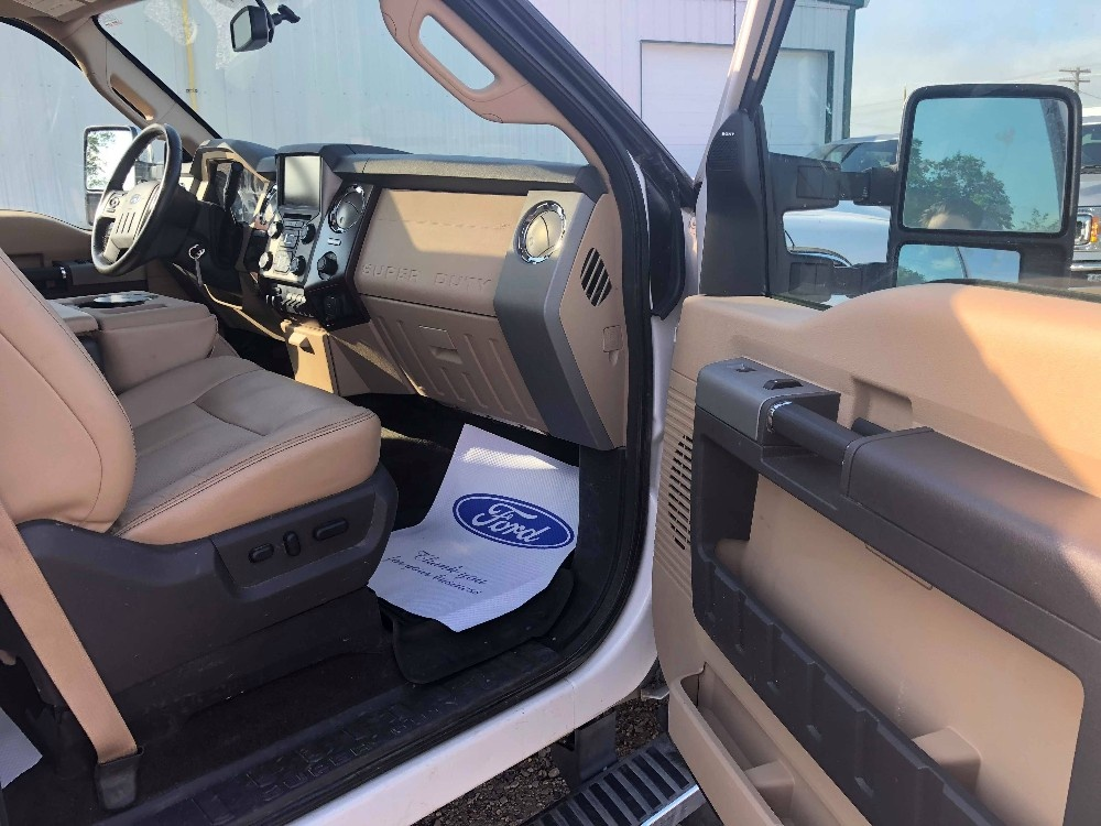 2014 Ford Super Duty F-450 DRW Lariat